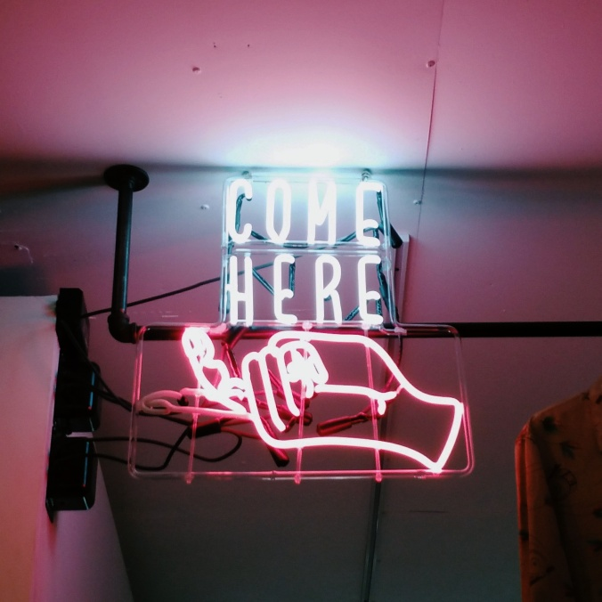 neon come here sign